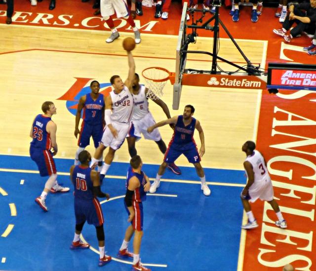 Blake dunks on Pistons