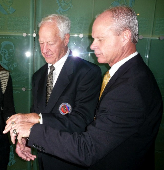 Gordie and Mark show their Hall of Fame rings