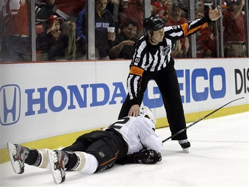 The play that may've cost Detroit the series? (AP photo)