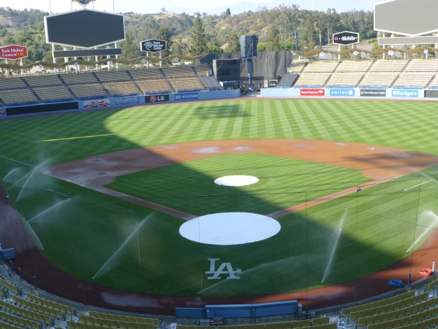Dodger Stadium washes away a bad taste before the snakes show up